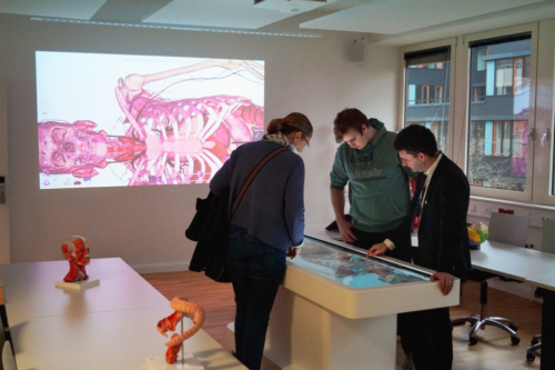 Prof. Mircea Muresan presenting UMCH's virtual 3D anatomy and dissection table