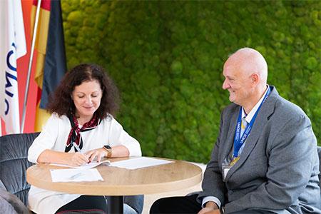 Neues Lehrkrankenhaus: Städtisches Krankenhaus Eisenhüttenstadt und UMCH kooperieren in der Ausbildung von Medizinstudierenden